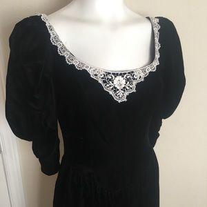 Vintage 80's Gunne Sax Velvet Lace Dress Boho Goth